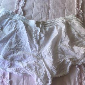GAP Body Shorts XL